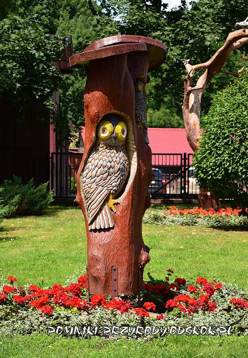 rzeźba w Parku Zamkowym we Włoszakowicach
