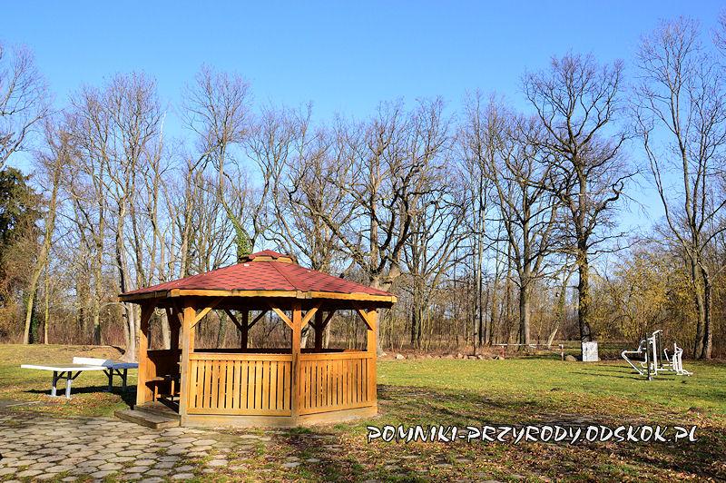altana w parku w Ramułtowicach