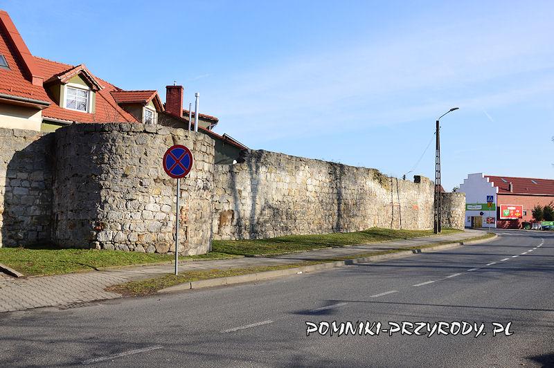 Nowogrodziec - mury obronne