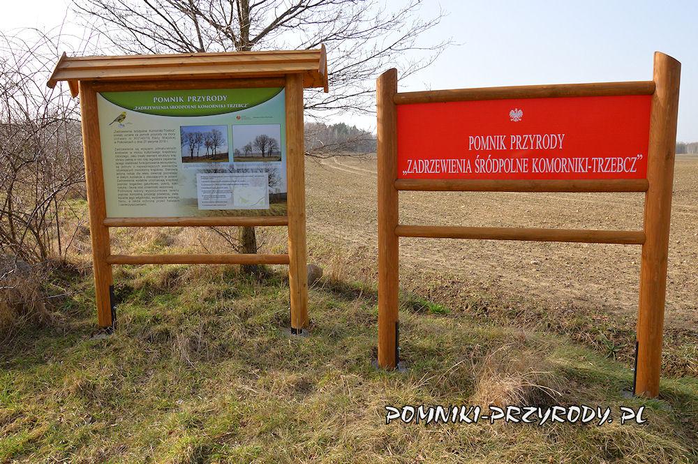 tablice w pobliżu pomnika przyrody